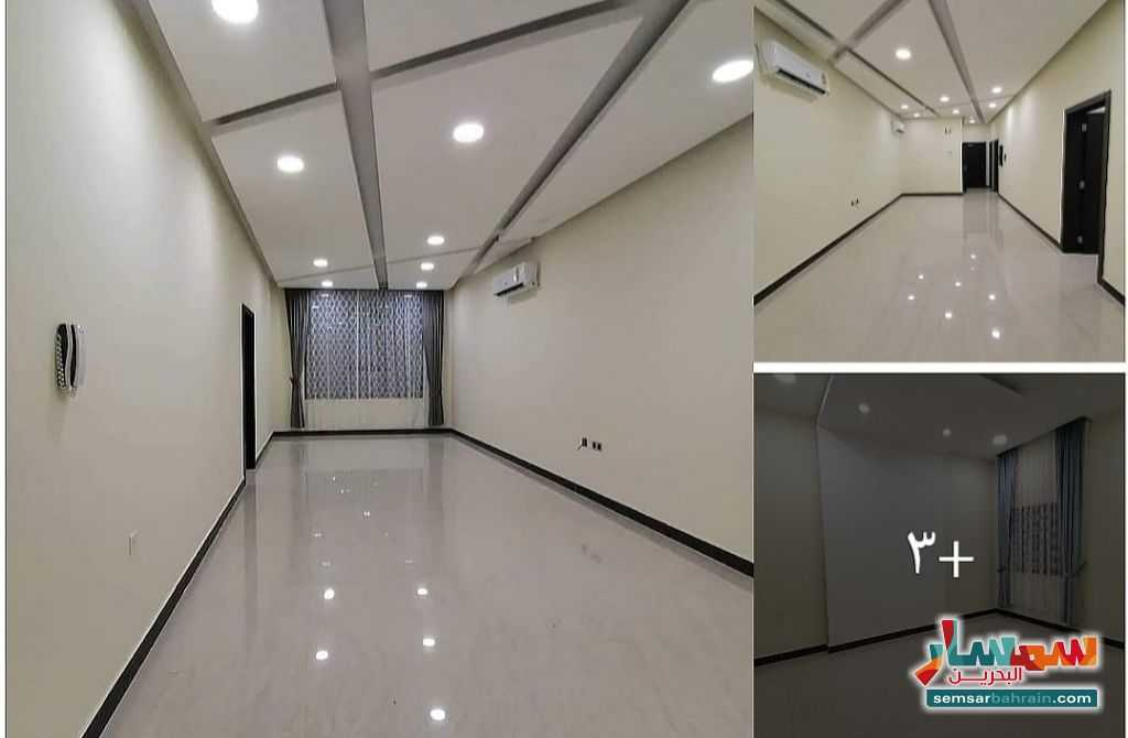 Ad Photo: Apartment 2 bedrooms 2 baths 150 sqm super lux in Bahrain