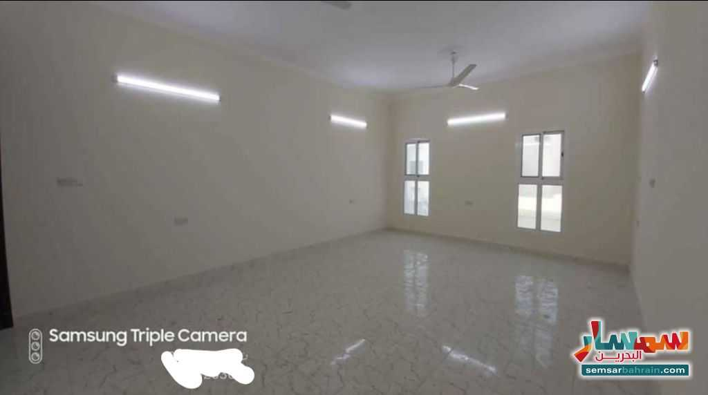 Ad Photo: Apartment 2 bedrooms 2 baths 110 sqm super lux in Galaly  Al Muharraq