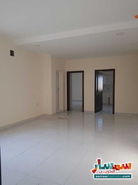 Ad Photo: Apartment 2 bedrooms 2 baths 105 sqm super lux in Galaly  Al Muharraq
