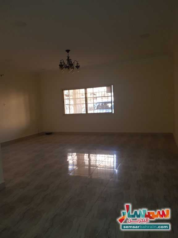 Ad Photo: Apartment 2 bedrooms 2 baths 140 sqm super lux in Arad  Al Muharraq
