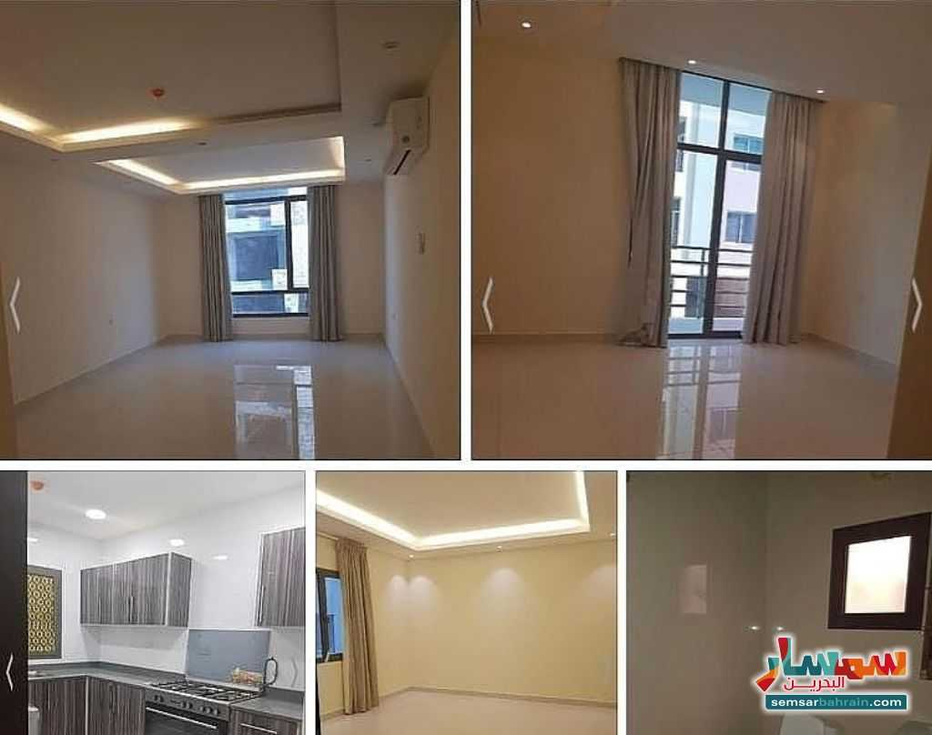 Ad Photo: Apartment 2 bedrooms 2 baths 110 sqm super lux in Bahrain