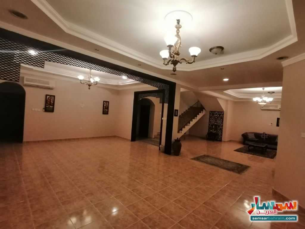 Ad Photo: Villa 6 bedrooms 6 baths 400 sqm lux in Bahrain