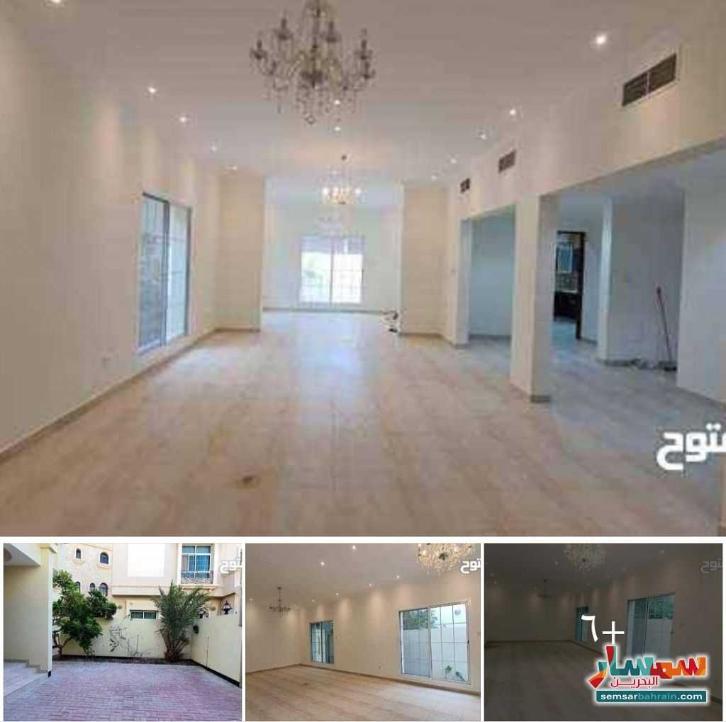 Ad Photo: Apartment 5 bedrooms 5 baths 400 sqm lux in Busaiteen  Al Muharraq