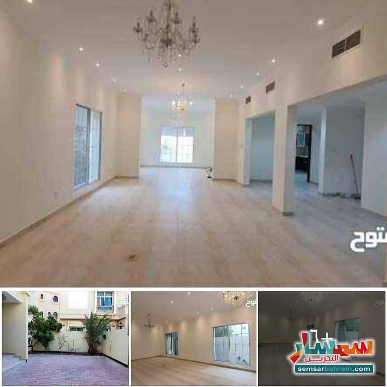 Ad Photo: Villa 6 bedrooms 6 baths 300 sqm lux in Busaiteen  Al Muharraq