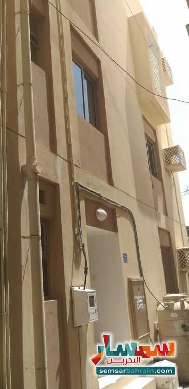 Ad Photo: Villa 5 bedrooms 3 baths 550 sqm in Muharraq City  Al Muharraq