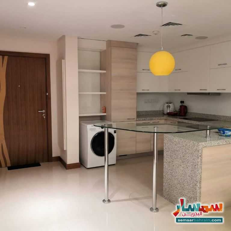 صورة 1 - Flat for rent in Dilmunia , Muharraq, fully furnished, 1 bedroom 2 bathroom kitchen Hall lift للإيجار جزيرة دلمون المحرق